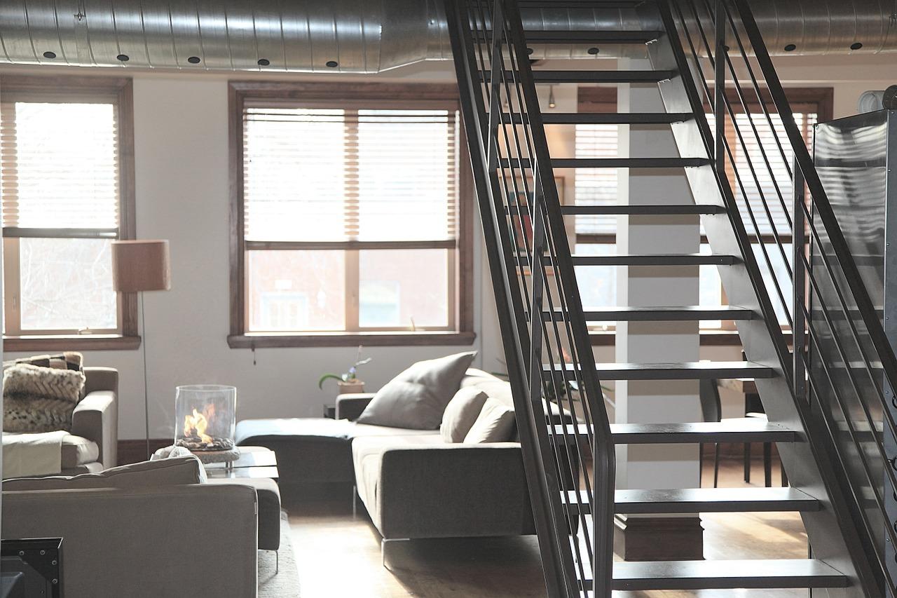 escalier design dans un appartement